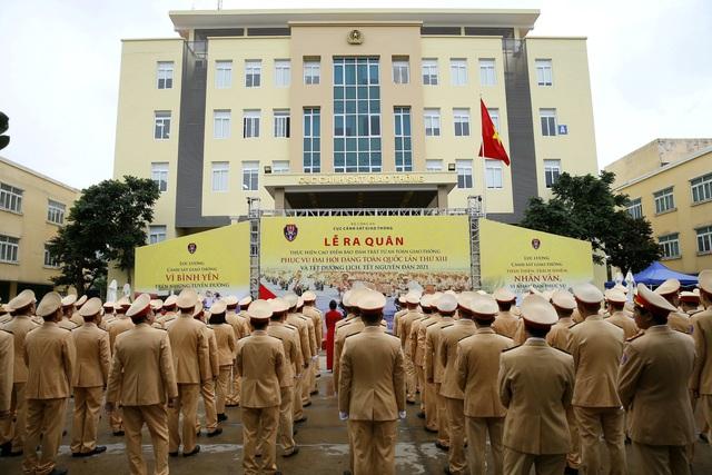 [Ảnh] CSGT ra quân bảo đảm trật tự, an toàn giao thông phục vụ bảo vệ Đại hội XIII của Đảng - Ảnh 10.