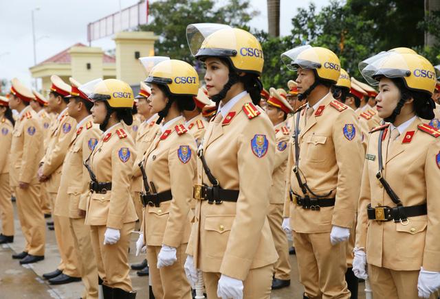 [Ảnh] CSGT ra quân bảo đảm trật tự, an toàn giao thông phục vụ bảo vệ Đại hội XIII của Đảng - Ảnh 3.