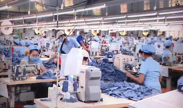 Thủ tướng yêu cầu bảo đảm việc làm, nâng cao mức sống người lao động - ảnh 1