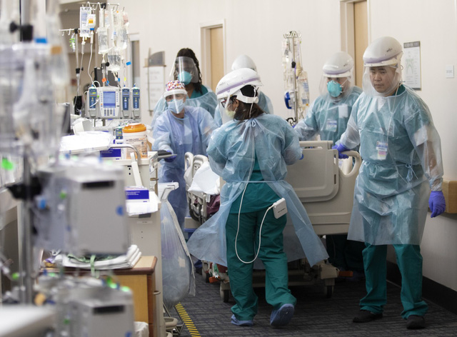 Bang California (Mỹ) đặt mua thêm hàng nghìn túi đựng thi thể - Ảnh 2.