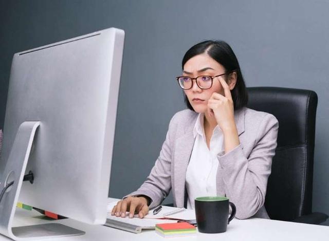 7 thói quen làm việc tại nhà bào mòn sức khỏe của bạn - ảnh 3