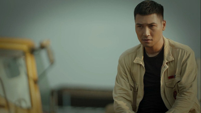 Ngắm vẻ điển trai của diễn viên Mạnh Trường trong phim Hồ sơ cá sấu - Ảnh 5.