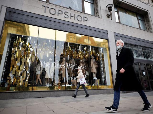 Sự sụp đổ đã được đoán định của Topshop và bài học cho các nhãn hàng thời trang - Ảnh 1.
