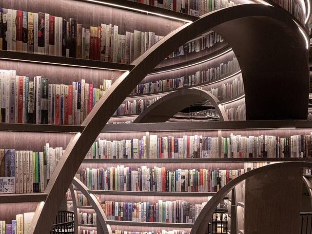 Ngỡ ngàng, tiệm sách như bước ra từ thế giới phù thủy Harry Potter - ảnh 5