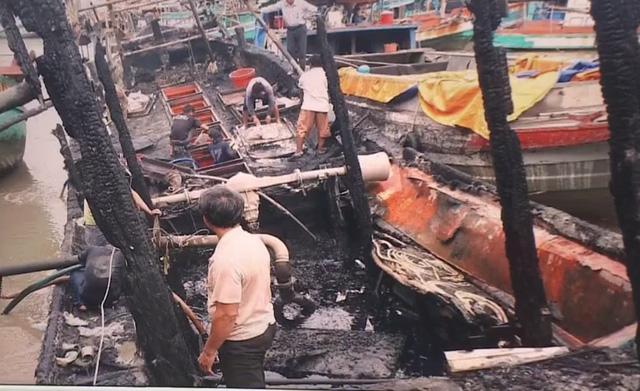 Liên tục cháy tàu cá, ngư dân tự sắm thiết bị cứu hỏa - Ảnh 1.