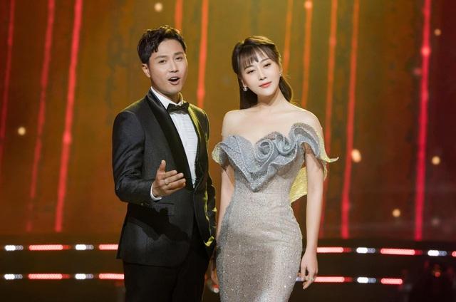 Điểm tin diễn viên tuần qua: Hồng Đăng sắm xế xịn, Hồng Diễm biến hoá xinh đẹp - Ảnh 2.