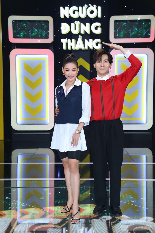 Dương Thanh Vàng tức giận, ném kịch bản ngay trên sân khấu vì Võ Tấn Phát - Ảnh 2.