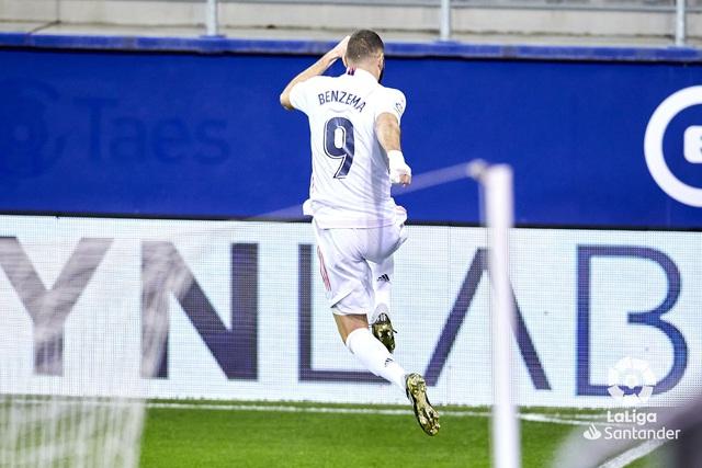 Eibar 1-3 Real Madrid: Kền kền trắng áp sát ngôi đầu với kình địch Atletico - Ảnh 1.