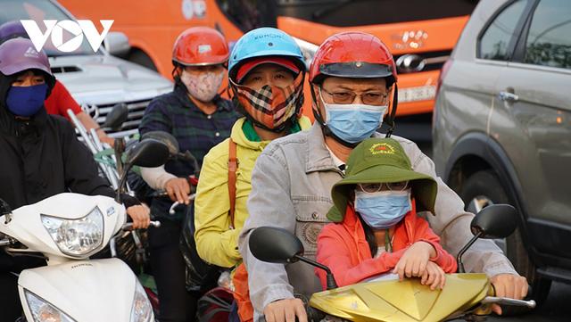 Lo ngại phí chồng phí khi thu tiền kiểm soát khí thải xe máy - Ảnh 1.