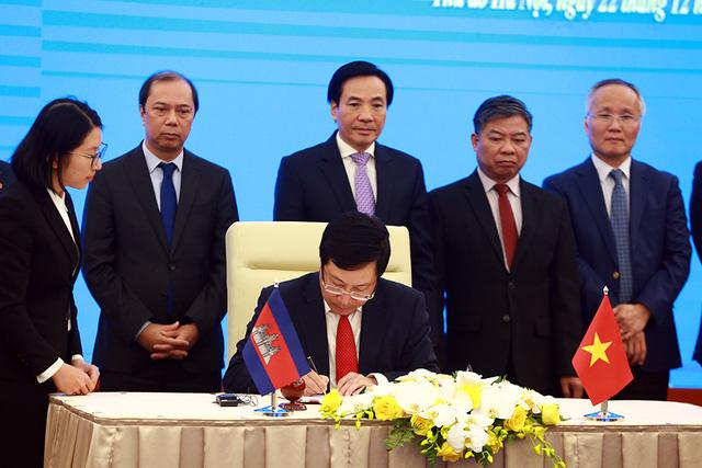 Phê chuẩn 2 văn kiện pháp lý về cắm mốc biên giới đất liền Việt Nam - Campuchia - Ảnh 1.