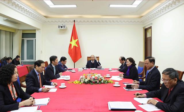 Thủ tướng Nguyễn Xuân Phúc chúc mừng Hoa Kỳ phát triển thành công 2 loại vaccine COVID-19 - Ảnh 1.