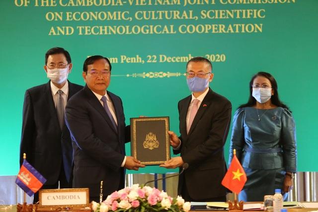 Phê chuẩn 2 văn kiện pháp lý về cắm mốc biên giới đất liền Việt Nam - Campuchia - Ảnh 2.