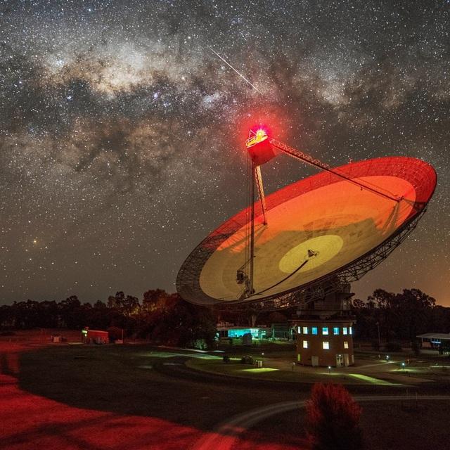Lần đầu tiên, phát hiện tín hiệu vô tuyến từ hành tinh ngoài Hệ Mặt trời - Ảnh 1.