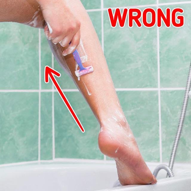 7 sai lầm cạo lông âm thầm phá hoại làn da của bạn - Ảnh 3.