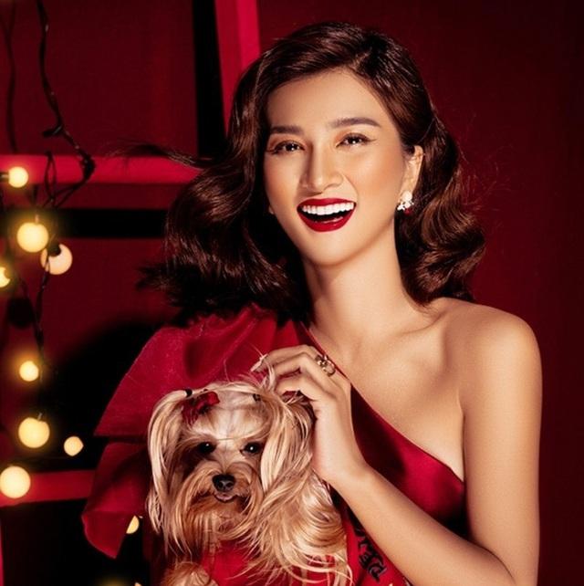 Ngắm sao Việt diện đầm đỏ cực chất dịp Giáng sinh - Ảnh 1.
