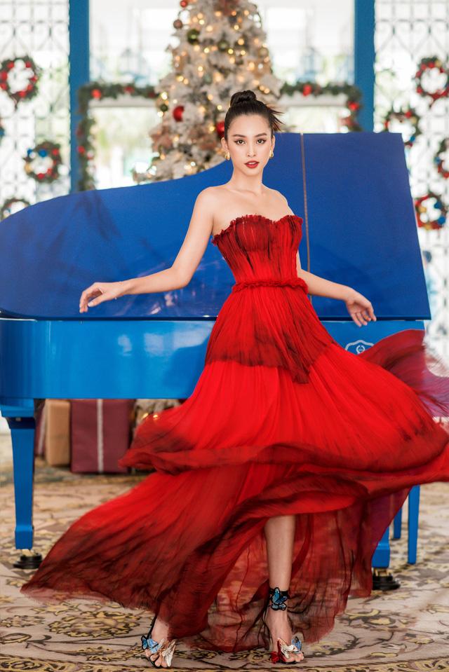 Ngắm sao Việt diện đầm đỏ cực chất dịp Giáng sinh - Ảnh 2.