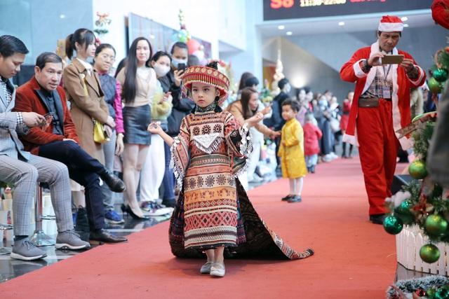 VTV Christmas go Green - Lung linh sắc màu Giáng sinh tại Đài Truyền hình Việt Nam - Ảnh 13.