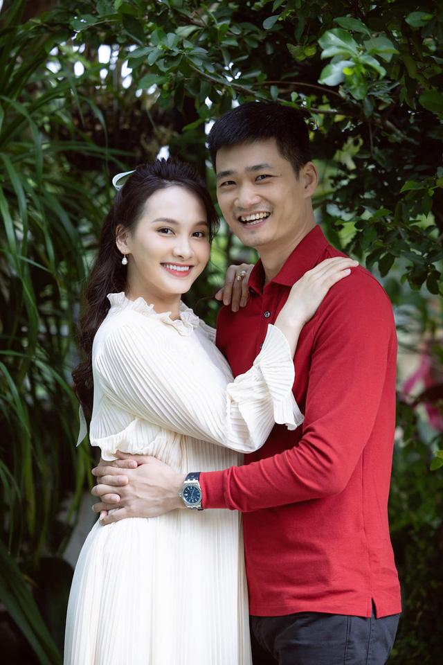 Chuộng mốt này, bà bầu Bảo Thanh và mẹ bỉm sữa Nhã Phương xinh đẹp bội phần - Ảnh 5.