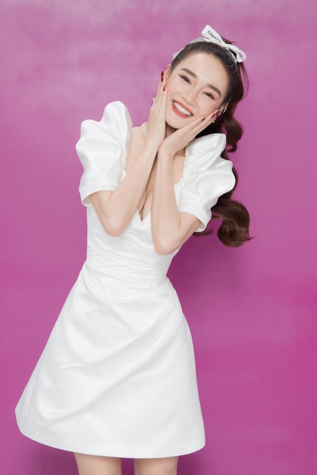Chuộng mốt này, bà bầu Bảo Thanh và mẹ bỉm sữa Nhã Phương xinh đẹp bội phần - Ảnh 11.