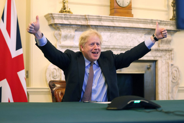Thỏa thuận thương mại hậu Brexit: Anh và EU đều tuyên bố giành lợi thế - Ảnh 2.