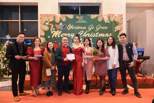 VTV Christmas go Green - Lung linh sắc màu Giáng sinh tại Đài Truyền hình Việt Nam - Ảnh 3.