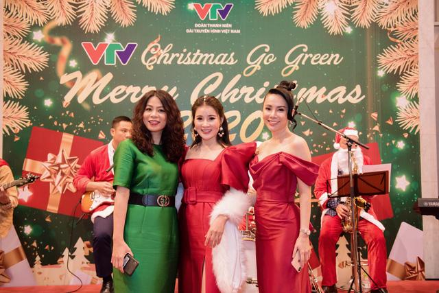 VTV Christmas go Green - Lung linh sắc màu Giáng sinh tại Đài Truyền hình Việt Nam - Ảnh 2.