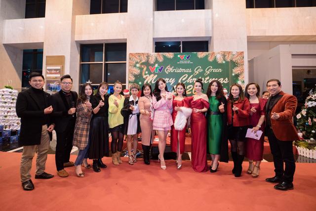 VTV Christmas go Green - Lung linh sắc màu Giáng sinh tại Đài Truyền hình Việt Nam - Ảnh 25.