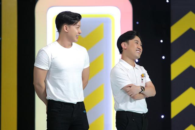 Don Nguyễn nhận quà sợ xanh mặt tại Người đứng thẳng - Ảnh 2.