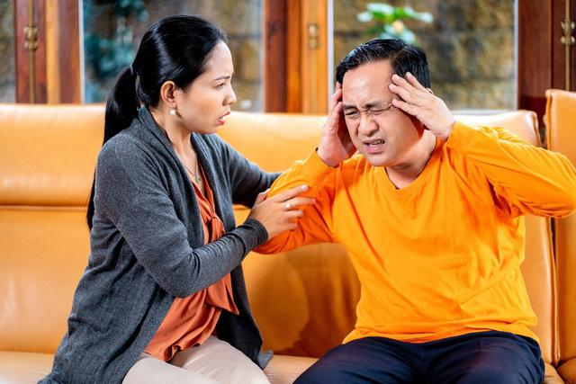 Tuổi 50 và nguy cơ đột quỵ mùa lạnh: Làm sao để phòng tránh? - Ảnh 1.