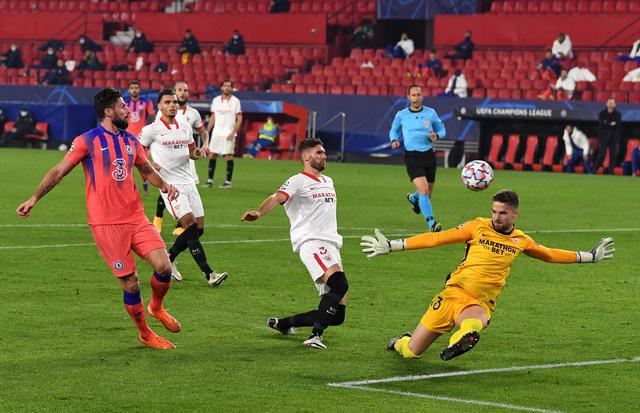 Kết quả UEFA Champions League rạng sáng 03/12: Man Utd 1-3 PSG, Sevilla 0-4 Chelsea... - Ảnh 3.