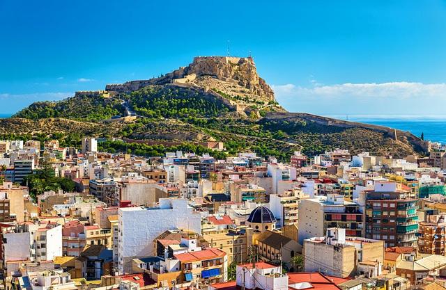Top 10 thành phố dễ sống nhất cho người nước ngoài - ảnh 1