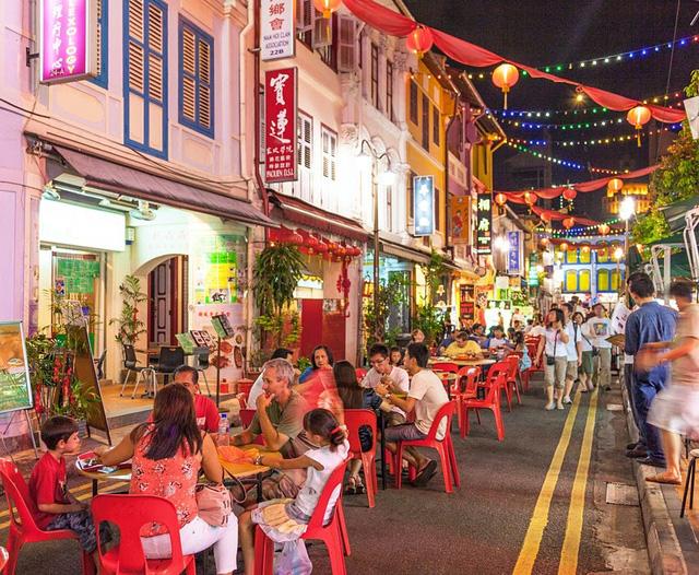Top 10 thành phố dễ sống nhất cho người nước ngoài - Ảnh 2.