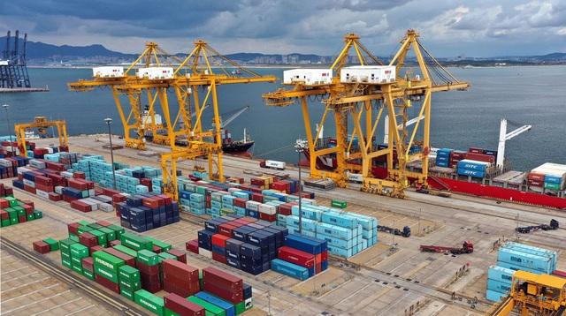 Trung Quốc vượt Mỹ trở thành đối tác thương mại hàng đầu của EU - Ảnh 1.