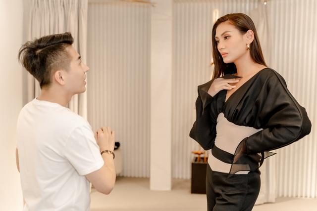 Mâu Thủy, Võ Hoàng Yến khoe trang phục cá tính trước show thời trang - Ảnh 6.