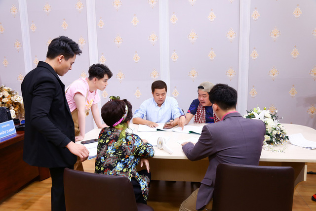"""Võ Tấn Phát trở thành giám đốc lạnh lùng trong """"Quảng cáo 4.0"""" - Ảnh 2."""