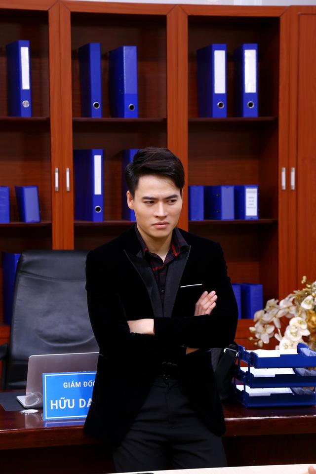 """Võ Tấn Phát trở thành giám đốc lạnh lùng trong """"Quảng cáo 4.0"""""""