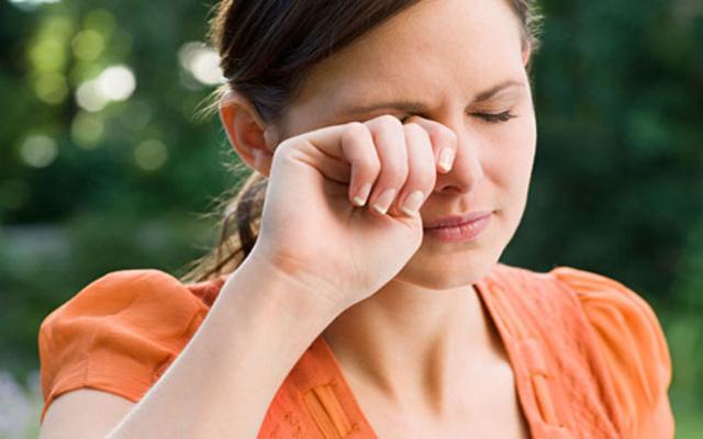 9 mẹo giúp giảm khô mắt cho dân văn phòng - Ảnh 7.
