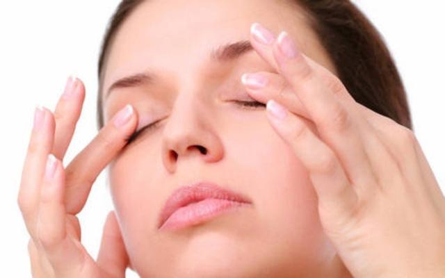 9 mẹo giúp giảm khô mắt cho dân văn phòng - Ảnh 8.