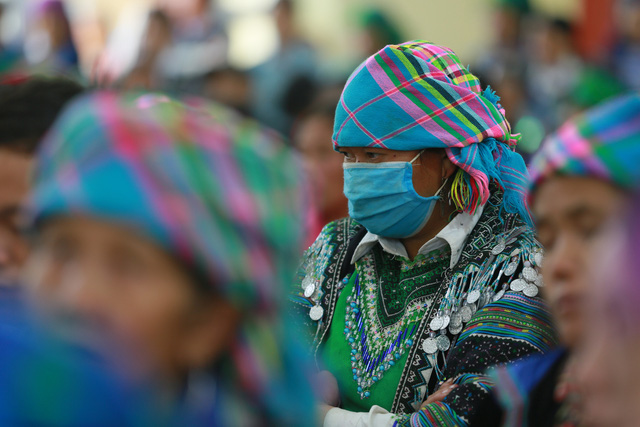 Hỗ trợ phụ nữ dân tộc thiểu số bị ảnh hưởng bởi dịch COVID-19 tại Lào Cai - Ảnh 3.