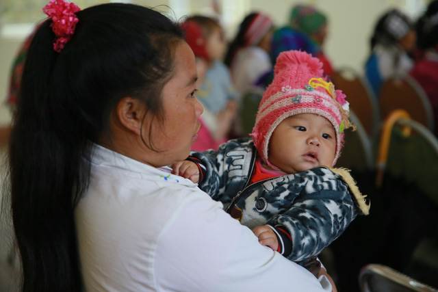 Hỗ trợ phụ nữ dân tộc thiểu số bị ảnh hưởng bởi dịch COVID-19 tại Lào Cai - Ảnh 2.