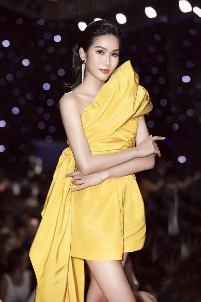 Hai Á hậu Việt Nam 2020 đọ sắc sau đăng quang - Ảnh 2.