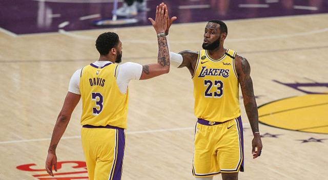 Anthony Davis ký hợp đồng kỷ lục với Los Angeles Lakers - Ảnh 1.