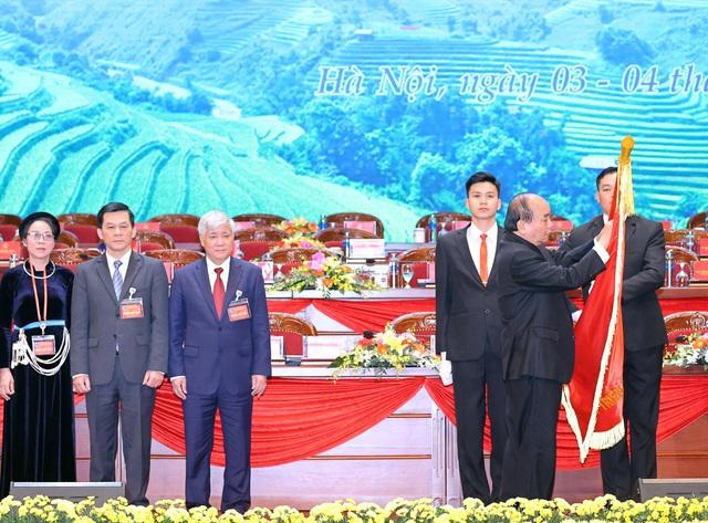 Thủ tướng Nguyễn Xuân Phúc: Cơ đồ đất nước mãi thuộc về cộng đồng các dân tộc Việt Nam - Ảnh 2.