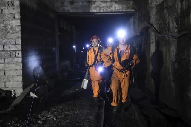 Tai nạn hầm mỏ ở Tây Nam Trung Quốc, hàng chục người bị mắc kẹt - Ảnh 1.