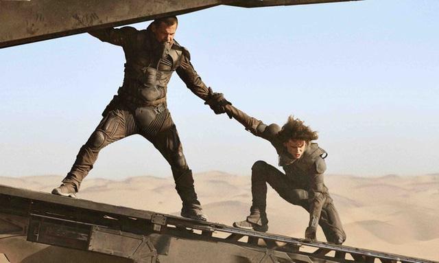 Chiến lược phim gây shock Hollywood của Warner Bros - ảnh 1
