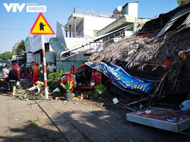 Bà Rịa - Vũng Tàu: Ô tô mất lái tông hàng loạt xe máy sập quán cà phê ven đường quốc lộ 51 - Ảnh 6.