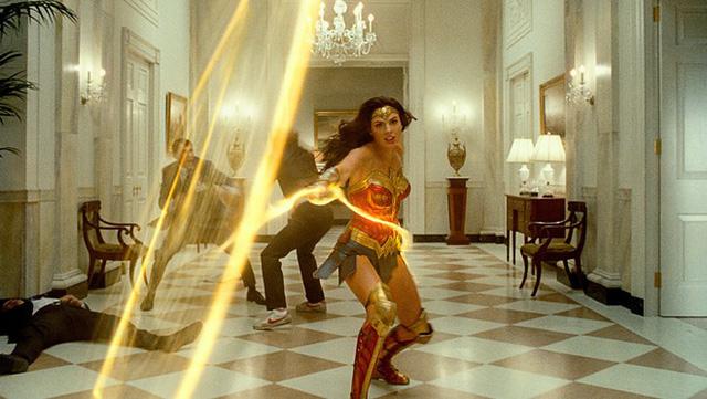 Chiến lược phim gây shock Hollywood của Warner Bros - ảnh 2