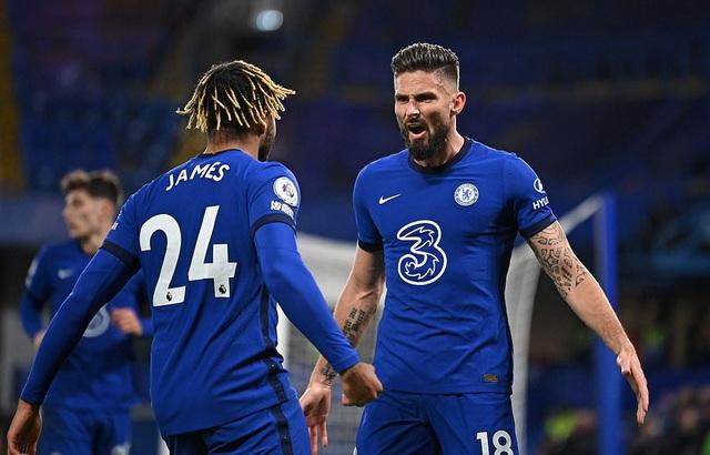 Chelsea 3-1 Leeds Utd: The Blues vươn lên ngôi đầu bảng (Vòng 11 Ngoại hạng Anh) - Ảnh 2.
