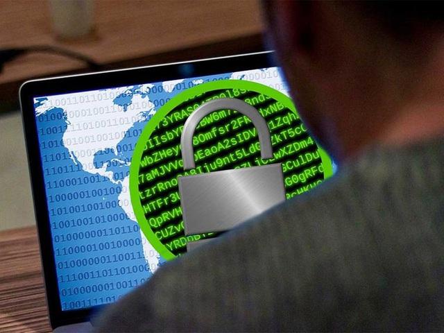 Italy bắt giữ hai người vì đánh cắp dữ liệu quốc phòng - ảnh 1