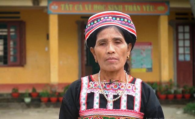Hoa việc tốt: Người phụ nữ lưu giữ nét văn hóa người Xa Phó - Ảnh 1.